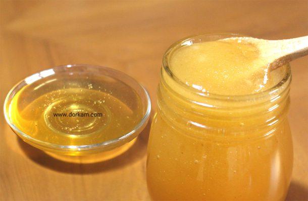 عسل شکرک زده ای که به آن حرارت داده شده